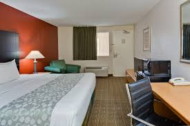 hotel la quinta inn ta near busch