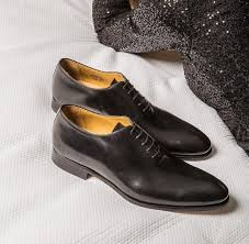 3 key defining features of wholecut leather shoes