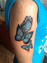 фото татуировка на плече у девушки бабочки