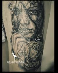 татуировки на бедре от мастеров Piglatattoo Studio днепр
