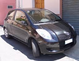 File:Toyota Yaris black vr.jpg - Wikimedia Commons