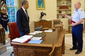 obama oval office desk. Obama Oval Office Desk E