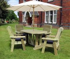 highgate 4 seater wooden furniture table set