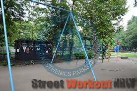 tokyo outdoor fitness gym hibya park