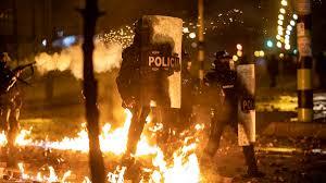 En video | Así se ven las protestas detrás de la visera, o de una tanqueta  del Esmad