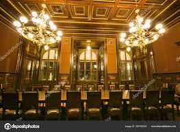 Prag Tschechien Januar 2019 Zimmer Mit Zwei Kronleuchter