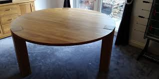 solid oak round dining table 1 5m excellent condition