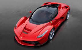 The laferrari features a 6.3l v12 making 789 horsepower. 2015 Ferrari Laferrari Test Drive Review Cargurus
