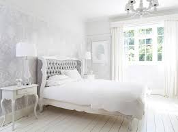 Möbel in der farbe weiß haben zunächst einmal den entscheidenden vorteil, dass sie sich als recht resistent gegenüber staub erweisen und nicht jedes kleine körnchen darauf zu sehen ist. Schlafzimmer Einrichten Viele Beispiele Das Haus