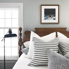 How To Choose The Right Frame For Your Wall Color