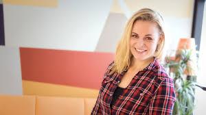Maria Markus: Rakkauskampanjalla rauhaa kiehuvaan Lähi-itään by Ykkösaamun  kolumni | Podchaser