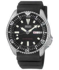 man s guide to dive watches how to buy the right diver s watch seiko men s skx173 stainless steel and black polyurethane automatic dive watch