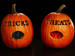 free trick or treat pumpkin for halloween with pumpkin carvings.