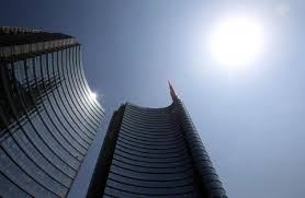 Architectural features make it easier for buildings to battle sun