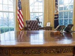 oval office table. Donald Trump Made This Big Change To The Oval Office Table