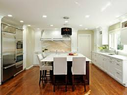 functional and stylish spacious eat kitchen