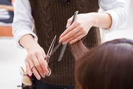 頭頂部が薄い女性におすすめの髪型10選つむじの薄毛を克服