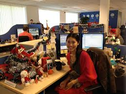 decorating office desk. holiday desk decorating competition at vmware cork ireland office i