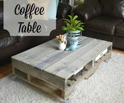painted pallet coffee table the junk nest diy painted coffee table les proomis