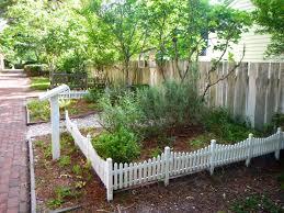 Kitchen Garden Blog Colonial Garden Design Colonial Williamsburg Silver Gypsy