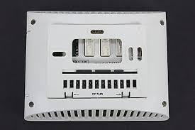 lennox touchscreen thermostat. lennox comfort sense l3522c 51m35 5/2 day 3000 series touchscreen thermostat | what\u0027s it worth