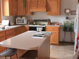 White Kitchen Walls With Light Oak Cabinets