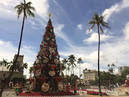 Holiday Shopping At The Ala Moana Center The Largest Shopping Christmas Tree Hawaii