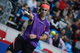 venäläinen mies tennispelaaja