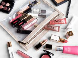 what s inside my makeup bag