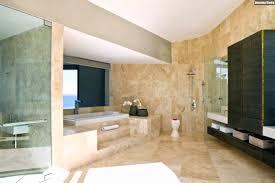 Großes Badezimmer Marmor Fliesen Sandfarbe Holzschränke Youtube Avec