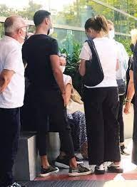 Şarkıcı Alişan'ın kardeşi Selçuk Tektaş'ın son sağlık durumu ne? Hastane  önünde - Magazin Haberleri