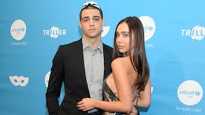 Single noah centineo reveals his ideal girlfriend. Noah Centineo Alexis Ren Breakup After One Year Of Dating Hollywood Life