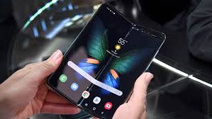 Samsung bets big on foldable smartphones amid chip crunch - Nikkei Asia