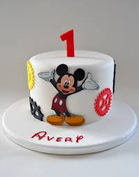 mickey mouse themed birthday cakes