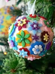 Graceu0027s Favours  Craft Adventures How To Make An Easy Felt Easy Christmas Felt Crafts