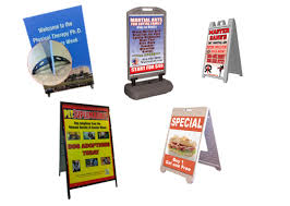 A Frame Display Stands Displays and Stands PICTURE THIS CONCEPTS 13