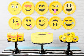 20 Crazy Emoji Birthday Party Ideas
