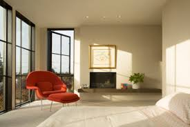 Magnolia house furniture Magnolia Farms Saarinen Womb Chair In The Master Bedroom Image By Lara Swimmer Facade The Defining Feature Of Magnolia House Gamingmaniainfo Magnolia House Knoll