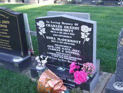 "Lenora ""Nora"" McCumiskey McDermott (1916-2007) - Find A Grave Memorial"