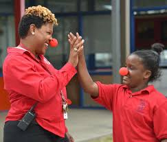 """Jefferson Parish Schools on Twitter: """"#ThibodeauxElementary principal Freda  Smith """"clowning around"""" w/ students during a special event for first  responders today. #JPPSS… https://t.co/2zXlslo0SC"""""""