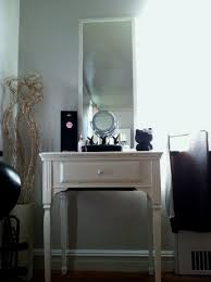 Small Vanity Table For Bedroom Vanity Table With Lighted Mirror Modern White Painted Wooden