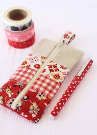 a gorgeous pencil pouch tutorial are you searching for some diy pencil case tutorials