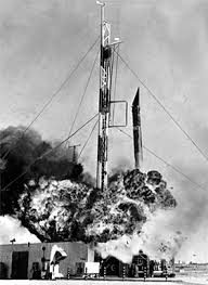 sky topics space exploration u s  6 1957 two seconds after launch vanguard was four feet off the pad thrust ceased it crumpled and then exploded