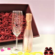 rose gold prosecco gifts set with personalised flute