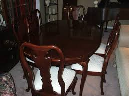 beautifulle thomasville cherry dining room table 8 chairs table pad collectors cherry collection asking 500 for everything table is 66 x 42