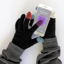 easy diy touch screen gloves made with conductive yarn thimbles through for the free