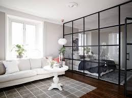 Goals Deze Industriële Glazen Wand Tussen De Woon En Slaapkamer