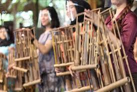 Alat musik ini berasal dari daerah sumater utara, masyarakat setempat biasa memainkan alat musik ini ketika acara pernikahan atau acara adat lainnya. Daftar Nama Alat Musik Tradisional Asal Daerah Dan Cara Memainkannya Portal Jember Halaman 4
