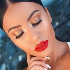 to balance the lips and cast a glamour over everybody you should opt for a subtle gold shimmer shadow on the lids with a ling eyes you will stand