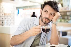 Resultado de imagen de bebiendo cafe